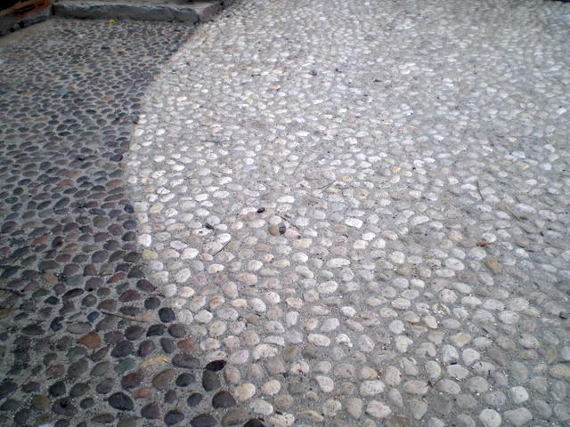 Pavimenti in ciottoli prezzi tavolo consolle allungabile for Ciottoli bianchi