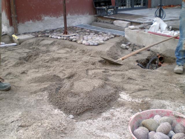 Pavimenti in ciottoli la nostra guida pavimenti a roma - Pavimentazione cortile esterno ...