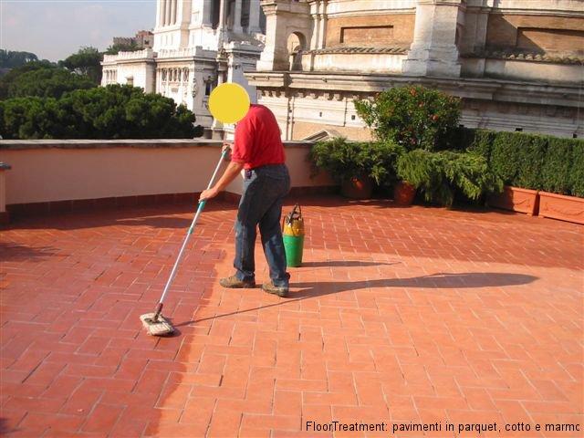 Cera rossa per pavimenti esterni pannelli termoisolanti for Pulire parquet rovinato