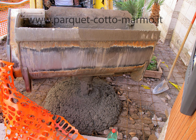 Massetto per esterno pavimenti a roma - Pavimentazione cortile esterno ...