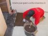 pavimenti-in-gres-porcellanato-stesura-colla-su-massetto