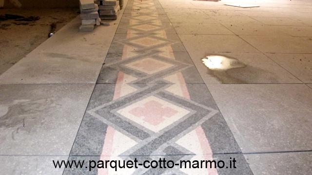 Coprire pavimento come rifinire il pavimento in vinile di - Quanto costa posa piastrelle ...