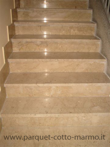 Pavimenti in marmo e in granito pavimenti a roma for Marmo per scale interne prezzi