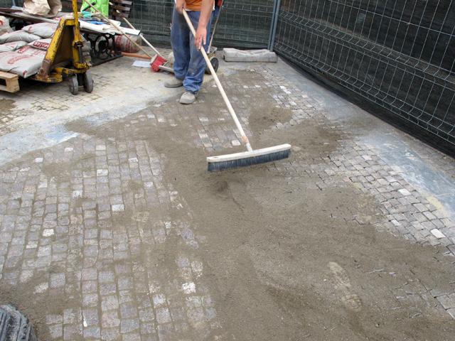 Pavimenti in porfido la nostra guida pavimenti a roma - Piastrelle giardino cemento ...