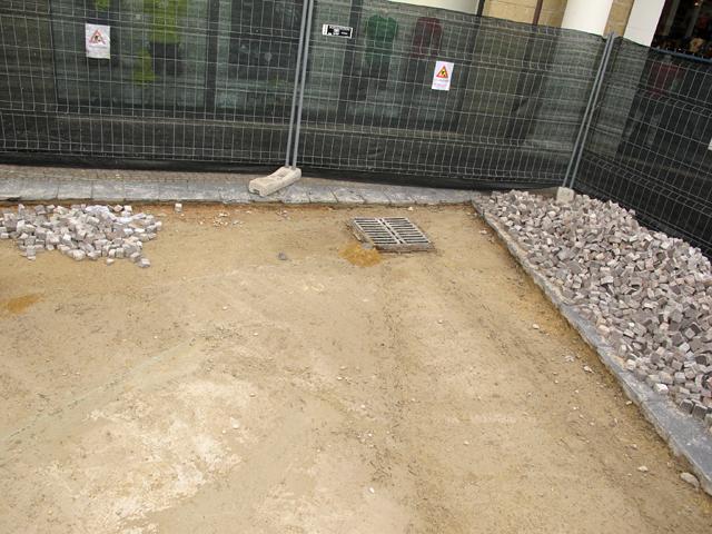 Pavimenti in porfido la nostra guida pavimenti a roma - Posa piastrelle giardino a secco ...