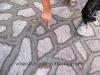 pavimento-in-porfido-finitura-della-stuccatura
