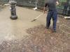 pavimenti in porfido: stesura stuccatura,