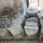 mescola-granulati-pesati-in-proporzione