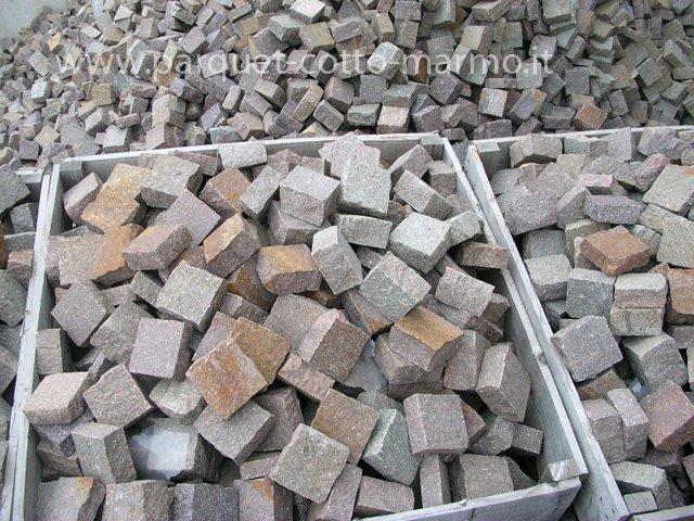 Pavimenti-in-porfido-Cubetti 10X10 spessore 4-6 in casse