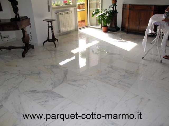 pavimenti in marmo-carrara