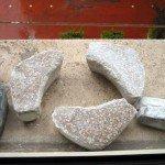 pavimento in marmo e granito: virgole di diversa grana
