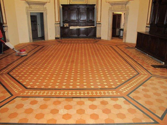 Restauro pavimento in cotto antico