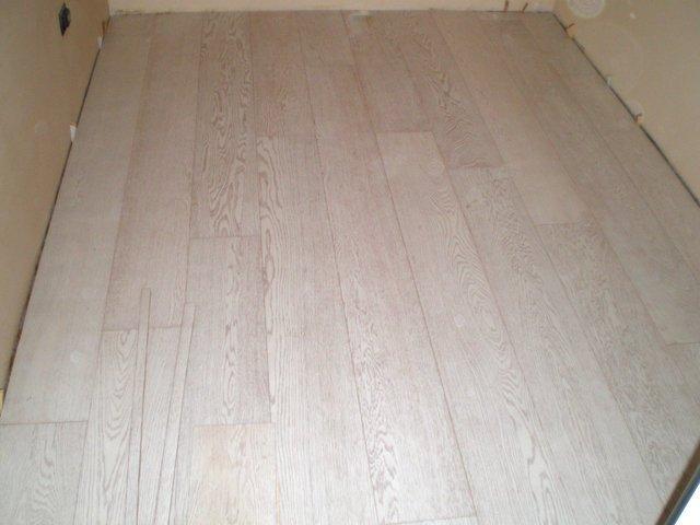 Legno Bianco Sbiancato : Pavimento in legno rovere bianco assoluto verniciato plance e