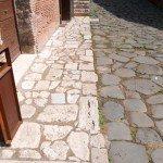 pavimenti per esterni -selciato-bollettonato-di-travertino