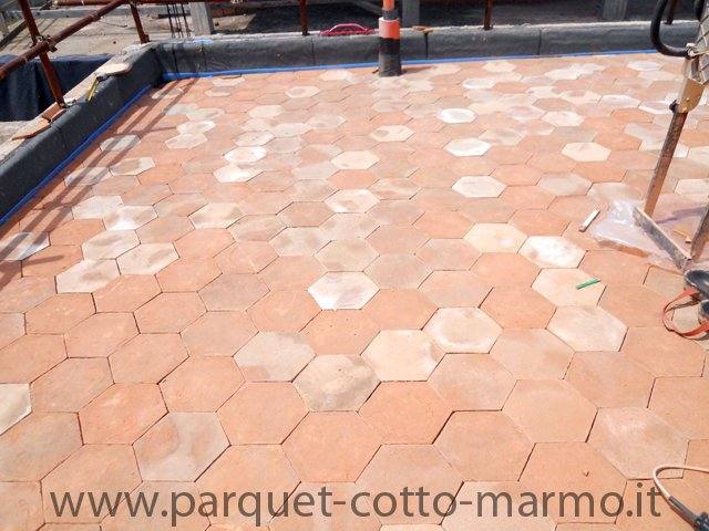 Pavimenti in cotto la nostra guida pavimenti a roma for Pavimento del garage in mattoni