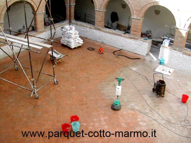 pavimenti in cotto-museo Arcevia - chiostro