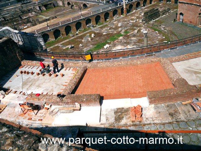 pavimento in listelli di cotto-taverne romane