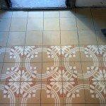pavimento in cementine nuove decorate-particolare posa
