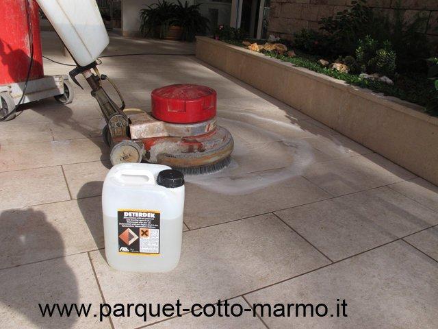Pulizia gres l 39 offerta per i nostri lettori pavimenti a - Pulire fughe piastrelle aceto ...