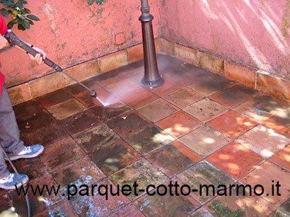 Come pulire il pavimento in cotto pavimenti a roma for Aprire il pavimento