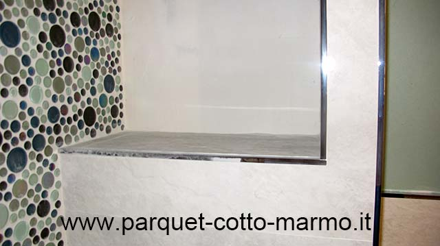 Rivestimento in mosaico di vetro e gres pavimenti a roma