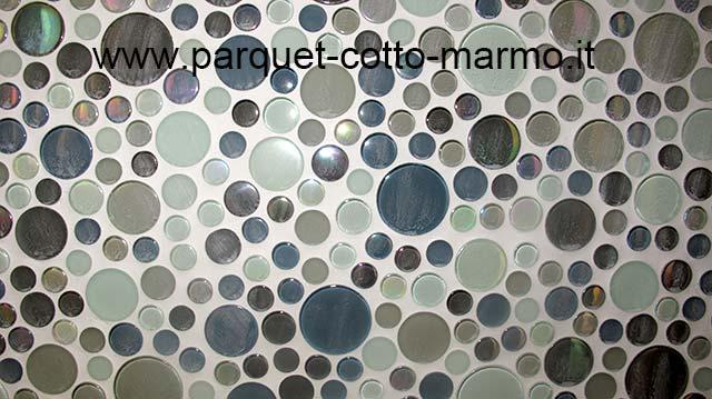 Rivestimento in mosaico di vetro e gres