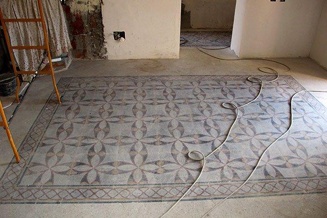 Come recuperare le vecchie graniglie pavimenti a roma - Piastrelle da incollare su pavimento esistente ...