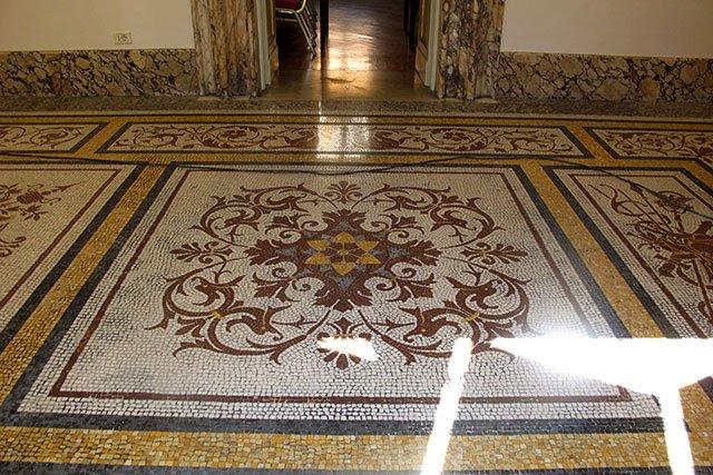Lucidatura Naturale dei pavimenti in Marmo e derivati microlevigatura (senza piombo) Accademia Ungheria – Roma