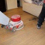 pavimento-in-parquet-prefinito-lavaggio-detergente