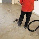 pavimento-gres-porcellanato-aspirazione-sporco