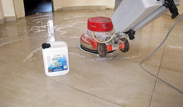 Manutenzione gres porcellanato pavimenti a roma for Pulizia parquet