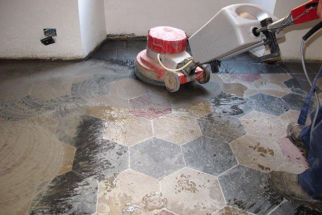 Marmo e granito come pulirli e proteggerli dalle macchie con